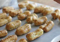Pretzel Bites, Sausage, Food And Drink, Bread, Vegetables, Sausages, Brot, Vegetable Recipes, Baking