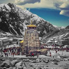 A Complete Travel Guide to Kedarnath Dham Best Tourist Destinations, Best Places To Travel, Places To Visit, Lord Shiva Pics, Lord Shiva Hd Images, Temple India, Indian Temple, Hindu Temple, Shiva Wallpaper