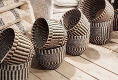 Goround lookbook fotopagina Potted Plants, Plant Pots, Wicker Baskets, Home Decor, Homemade Home Decor, Decoration Home, Houseplants, Home Decoration, Woven Baskets