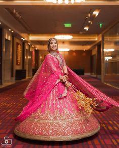 Indian Bridal Outfits, Indian Bridal Fashion, Indian Bridal Wear, Bridal Dresses, Indian Wear, Pink Bridal Lehenga, Pink Lehenga, Red Saree, Saree Blouse