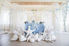 Свадьбы в морском стиле популярны не только на побережьях ⚜идеальное воплощение   Декор: @savanna_weddingdecor  Флористика: @fleurdelis.bouquetshop  #summer #sea #seawedding #wedding #beautiful #weddingdecor #beautiful #weddingideas #inspiration #love #свадьба #морскаясвадьба #любовь #вдохновение #свадебныйдекор