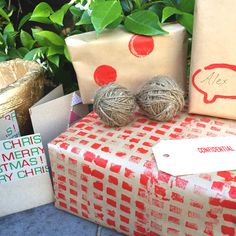 DIY: CREATE YOUR OWN DIY CHRISTMAS WRAPPING PAPER