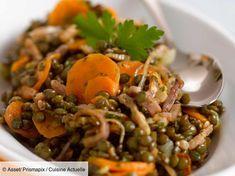 Lentil with Carrot and Bacon Salad - Recipes - recettes - Salad Recipes Healthy Easy Salads, Healthy Salad Recipes, Veggie Recipes, Healthy Snacks, Dinner Recipes, Lentil Recipes, Paprika Hummus, Nacho Salat, Bacon Salad