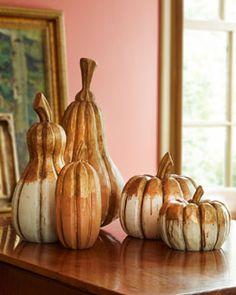 H7AF6 Five Wood Pumpkins