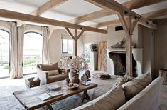 rustic and neutral living room. #RTLWoonmagazine #droomhuizen #binnenhuisarchitect