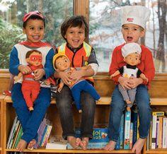 Mães criam bonecos para que seus filhos possam se identificar