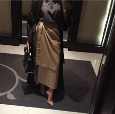 Image uploaded by BeautifulinBlack. Modest Fashion Hijab, Casual Hijab Outfit, Modest Outfits, Chic Outfits, Fashion Outfits, Arab Fashion, Islamic Fashion, Muslim Fashion, Fashion 2020