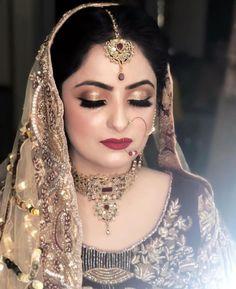 Image may contain: 1 person, closeup Bridal Jewellery Inspiration, Bridal Jewelry, Jewelry Box, Bridal Looks, Bridal Style, Bridal Pictures, Bridal Pics, Bridal Nose Ring, Pakistani Bridal Makeup