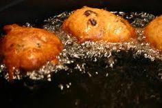 [Blog] Glutenvrije oliebollen (ca. 8-10 stuks) - http://www.allergiekookboek.nl/recepten/glutenvrije-oliebollen/