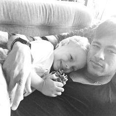 // Neymar Jr, Neymar Football, Fc Barcelona, Neymar Family, Daddy And Son, Good Soccer Players, World Cup 2014, Messi, Instagram Posts