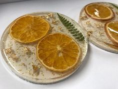 Resin Coaster Real Oranges and Leaves Gold Flake Unique Diy Resin Art, Epoxy Resin Art, Diy Resin Crafts, Resin Molds, Handmade Crafts, Stick Crafts, Resin Jewelry Tutorial, Resin Tutorial, Deco Table Noel