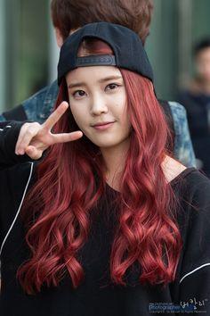 Iu Hair, Kpop Hair, Hair Color Purple, Hair Color And Cut, Bun Hairstyles, Korean Hairstyles, Female Hairstyles, Engagement Hairstyles, Asian Red Hair