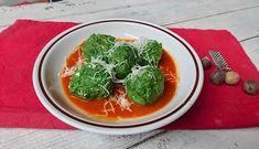 Gli gnudi di ricotta e spinaci sono una sorta di gnocchi, chiamati gnudi perchè sarebbero il ripieno dei tortelli senza l'involucro di pasta