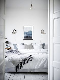 Furniture - Bedrooms : Fresh blue and white bedroom - Decor Object Home Decor Bedroom, Bedroom Furniture, Bedroom Signs, Bedroom Apartment, Bedroom Ideas, Home Interior, Interior Design, Interior Colors, White Bedroom