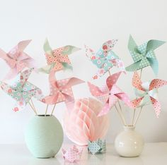8 pinwheels in shades of pink and green water for baptism, birthday, decoration child's room. Recuerdos Baby Shower Niña, Cumpleaños Shabby Chic, Pastel Roses, Ideias Diy, Childrens Room Decor, Baby Birthday, Pinwheels, Communion, Baby Shower Decorations
