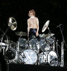 Yoshiki and his crystal drum [X Japan]