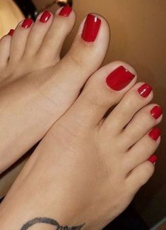 Perfect for jizzing Pretty Toe Nails, Pretty Toes, Long Red Nails, Red Toenails, Nice Toes, Painted Toes, Foot Pics, Beautiful Toes, Feet Nails