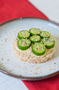 5 Rice Cake Snack + Meal Ideas Recipes | Hummus + Cucumber Everything Seasoning Rice Cake | Luci's Morsels :: LA Healthy Food Blogger