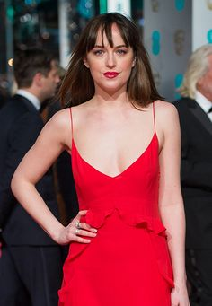 Дакота Джонсон Dakota Johnson, Fifty Shades, Red And White, Camisole Top, Actresses, Tank Tops, Famous People, Womens Fashion, How To Make