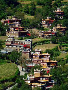 Tibetan houses in West Sichuan