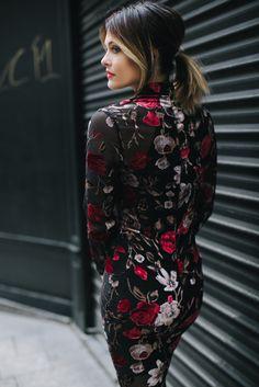 Missguided - Robe mi-longue noire fleurie Caroline Receveur