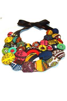 Collar Babero de la marca Christie Brown Ghna a la venta en My Asho, tienda online de moda africana.