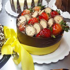 Torta Sonho de Valsa com Morangov#tortaspolos (em Polos Pães e Doces)