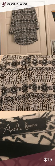 Beach top 3/4 sleeve shirt! Perfect to wear over a bathing suit! Goes with everything! White and black print! In good condition! No rips, stains or holes! Loved this shirt but to small now! Looser fit Francesca's Collections Tops