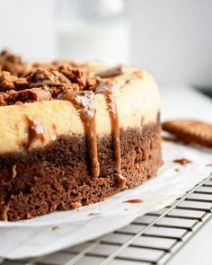 This cookie butter ricotta cheesecake is smooth and creamy, with a buttery crunch from the speculoos cookies! #cheesecakerecipe #easycheesecakerecipe #cookiebuttercheesecake #cookiebutterdessert #speculooscookies|bucketsofyum.com Ricotta Cheesecake, Best Cheesecake, Easy Cheesecake Recipes, Dessert Recipes, Nutter Butter, Peanut Butter, Speculoos Cookies, Heath Bars, Unique Desserts