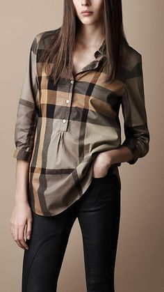 More times than we'd like to admit, dressing effortlessly means pulling on yoga pants and a sweatshirt. But what if you could effortlessly dress and retain style and polish? It's possible with tunics. Check out Rank & Style's 10 best tunic shirts! Camisa Burberry, Burberry Brit, Western Tops, Western Wear, Tunic Shirt, Shirt Blouses, Sweatshirt, Only Shirt, Casual Outfits