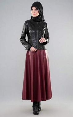 61 Ideas for skirt long hijab leather jackets Long Leather Skirt, Leather Dresses, Black Leather, Hijab Fashionista, Leder Outfits, Hijab Style, Skirts With Boots, Moda Emo, Pretty Outfits