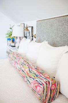 A clean home is a sign of a healthy lifestyle. Living in a clean house is so important for your health and your overall sense of well-being. But home cleaning … House Cleaning Tips, Deep Cleaning, Spring Cleaning, Cleaning Hacks, Cleaning Schedules, Diy Hacks, Cleaning Supplies, Clean Baking Pans, Cleaning Appliances