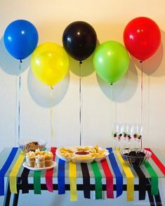 Olympic Party theme decorating idea with Balloons. Office Olympics, Kids Olympics, Summer Olympics, Tokyo Olympics, Special Olympics, Olympic Idea, Olympic Games, Beer Olympics Party, Olympic Crafts