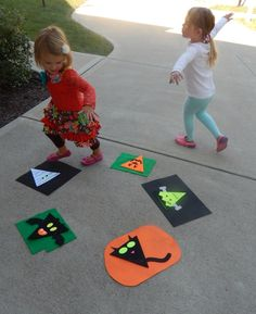 This Musical Monster March Game gets kids moving, laughing and having fun at Halloween parties! Learn how to make and play this creative game!