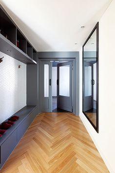 공간 계획과 수납 아이디어 돋보이는 모노톤 아파트 : 네이버 매거진캐스트