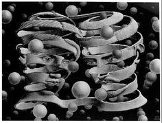 MC Escher Paintings was an artist; created each tessellation with extradorinary math skills. The MC Escher artwork continued to develop with his drawing hands art print. Escher Kunst, Mc Escher Art, Escher Drawings, Art Museum, Dulwich Picture Gallery, Drawn Art, Poster Art, Art Sculpture, Art History