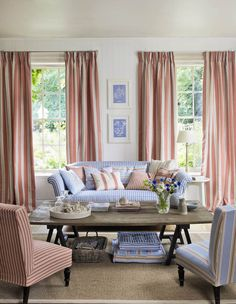 Fabric colors I would love in my living room. Living Room Lounge, My Living Room, Home And Living, Living Spaces, English Interior, Piano Room, Living Room Inspiration, Cozy House, Cottage Style