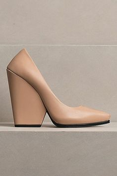 If I ever invest in a pair of nude pumps, these are the babies I'll buy. Unfortunately, they are from Céline.