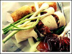 Lumpia Semarang --> http://www.wego.co.id/berita/1-wisata-kuliner-semarang-yang-wajib-dicoba/