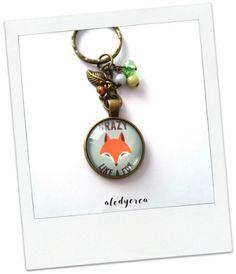 Porte clés  Renard  crazy like a fox   cabochon  par alodycrea - fox - foxes - renard - keychain