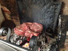 Côte de boeuf on the fireplace Beef, Treats, Food, Meat, Sweet Like Candy, Goodies, Ox, Ground Beef, Meals