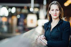 Mit der Schauspielerin Wlada Vladislawa habe ich mich am Hauptbahnhof für ein Business-Shooting verabredet: für sympathische, ausdrucksstarke Portraits.