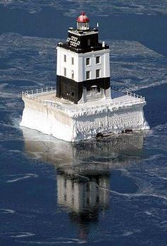 Poe Reef Lighthouse, Michigan