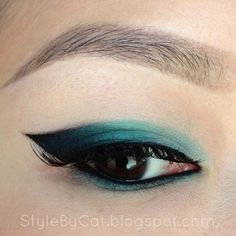 Teal Ombre Cat Eye https://www.makeupbee.com/look.php?look_id=95384