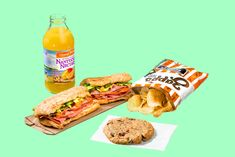 What 2,000 Calories Looks Like - http://www.nytimes.com/interactive/2014/12/22/upshot/what-2000-calories-looks-like.html?smid=fb-nytimes&smtyp=cur&bicmp=AD&bicmlukp=WT.mc_id&bicmst=1409232722000&bicmet=1419773522000&abt=0002&abg=0&_r=0
