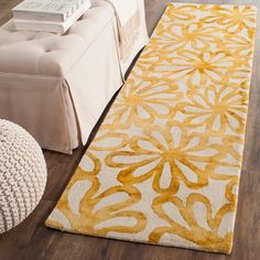 Safavieh Dip Dye Noelle Hand-Tufted Wool Area Rug or Runner, Beige/Gold Floral Area Rugs, Yellow Area Rugs, Beige Area Rugs, Wool Area Rugs, Wool Rug, Watercolor Rug, Wool Runners, White Rug, Online Home Decor Stores
