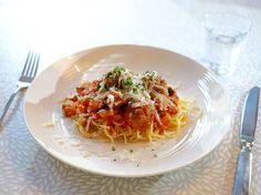 Spaghetti met Italiaanse gehaktballetjes in tomatensaus