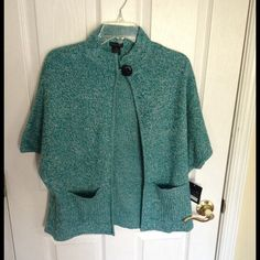 Petite Deep Teal/Ivory Mix Shortsleeve Cardigan Petite large. Large black button closure at the neck. Perfect color and style for spring / summer Tally Ho Sweaters Cardigans