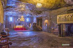 Salina Cacica - capela interioara, la peste 20 metri adancime Tourist Places, Romania, Home Decor, Cabin, Decoration Home, Room Decor, Home Interior Design, Home Decoration, Interior Design