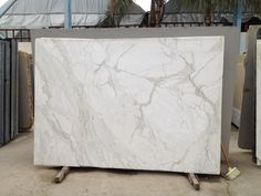 Choosing marble for kitchens - Calcutta-tastic!